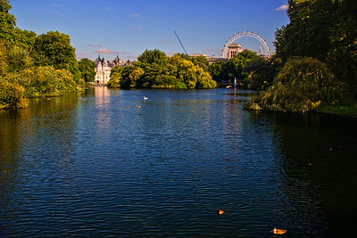The National Police Memorial and The London Eye, as seen from St.James Park